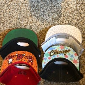 Accessories - SnapBack official Chicago Bulls Hats (5 each 15$)